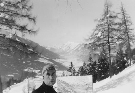 Otto Flechtenmacher vor Blasihaus Inntal