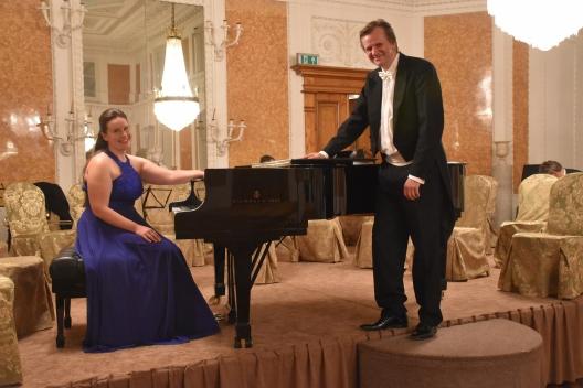 Pianistin Izabela Jutrzenka-Trzebiatowska und Dirigent Andreas Winnen © Lancut