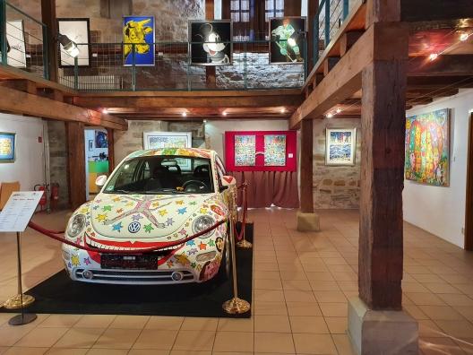 """Bild: VW """"New Beetle"""" gestaltet von James Rizzi"""